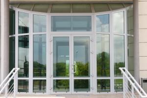 окна и двери в Крыму из алюминиевого профиля