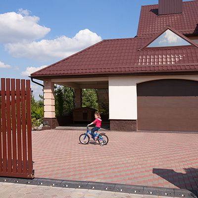 Гаражные ворота в Крыму серии Trend